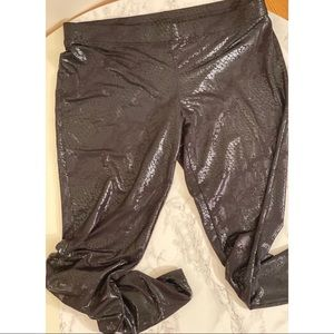 Express Shinny Snakeskin Leggings Sz M